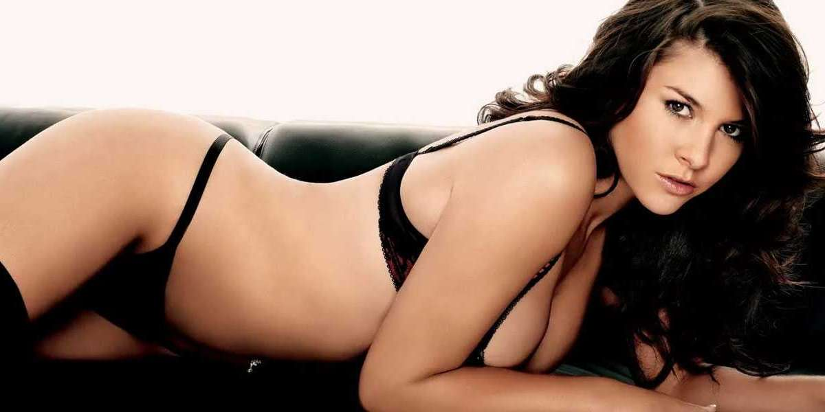 Facilitate the Qualified Delhi Escort Service